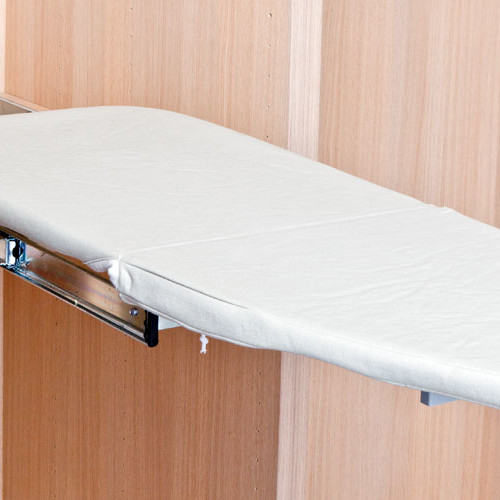 Tabla de planchar extraíble y abatible para armario